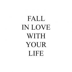 { fall in love }