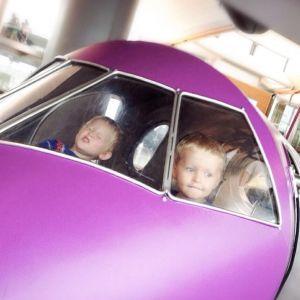 { å reise med små barn // planlegging // flytur }