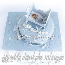 Lyseblå Dåpskake m/vugge i marsipan {Bildedryss}