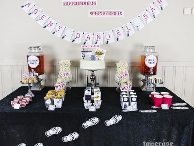 { Spionbursdag - lettvint og stilig dessertbord i ekte JukseSuperMamma-stil! }
