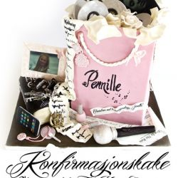 Spenstig Konfirmasjonskake - Lyserosa shoppingpose-kake, med massevis av detaljer! {Bildedryss} The Hunger Games, musikk, sminke, smykker...