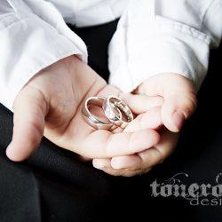 { Bryllupsfotografering: detaljebilder av gifteringene }