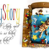 ToyStory Kake - formet som senga til Andy, med masse leiker!