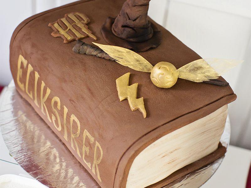 { Marsipankake // Harry Potter bursdag // Bok-kake }