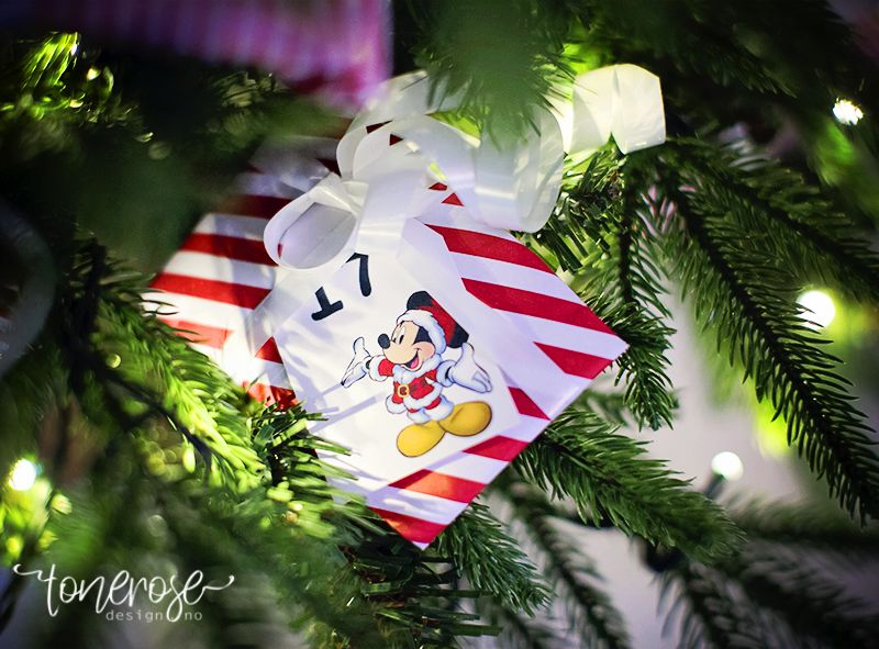 { Adventskalender // Disney // Juletre }