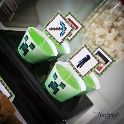 Minecraft // Gratis cupcakewrappere og skilt // Barnebursdag