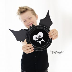 Supersøt flaggermus // Halloweenpynt barna kan lage selv // Gratis mal