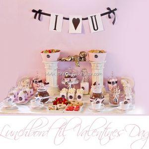 Fargekoordinert Lunchbord til Valentines Dag {Bildedryss}