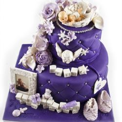 {Bildedryss} Adventslilla 1-årsdagskake med snøkrystaller og engletema