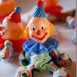 Lage kakepynt selv – søte klovner av icing