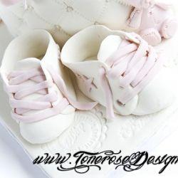 Baby-marsipansko i hvitt og lyserosa