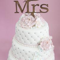 Bryllupskake Mr&Mrs { Designet av bruden }