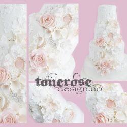 Herlig Romantisk Bryllupskake { Inspirert av Brudekjolen }