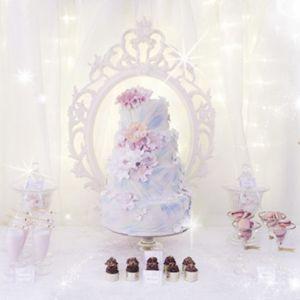 { pastellfarget dessertbord // den store bryllupsfesten }