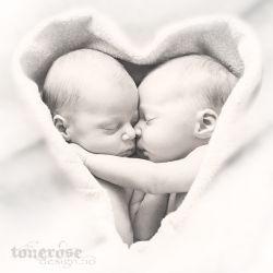 { twins }