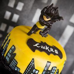 { batman // bursdagskake }