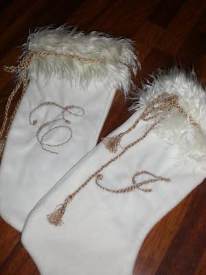 hjemmelaget hvit og gull julestrømpe