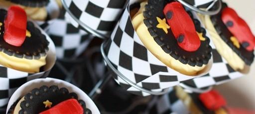 Lukas 2 år ♥ Barnebursdag med Biler–tema. CARS Gratis nedlastinger banner etc, tips til forberedelser