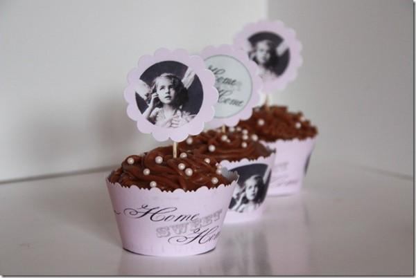 Hvordan lage nydelige cupcake wrappers og topper'e selv! Gratis vintage cupcakewrapper ♥