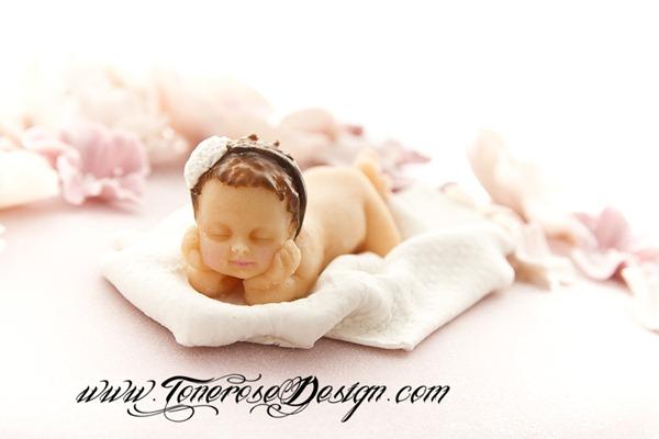 Modelert marsipanpynt - samme som nyfødtbilde