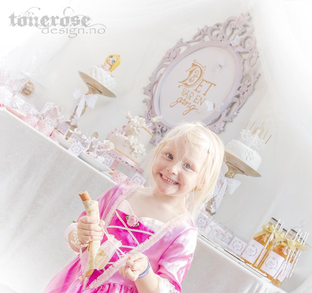 IMG_3402_prinsesse_kakebord_dessertbord_bursdag