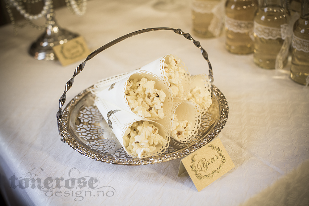 KL5A4013_bryllup_kake_dessertbord_bryllupskake_romantisk