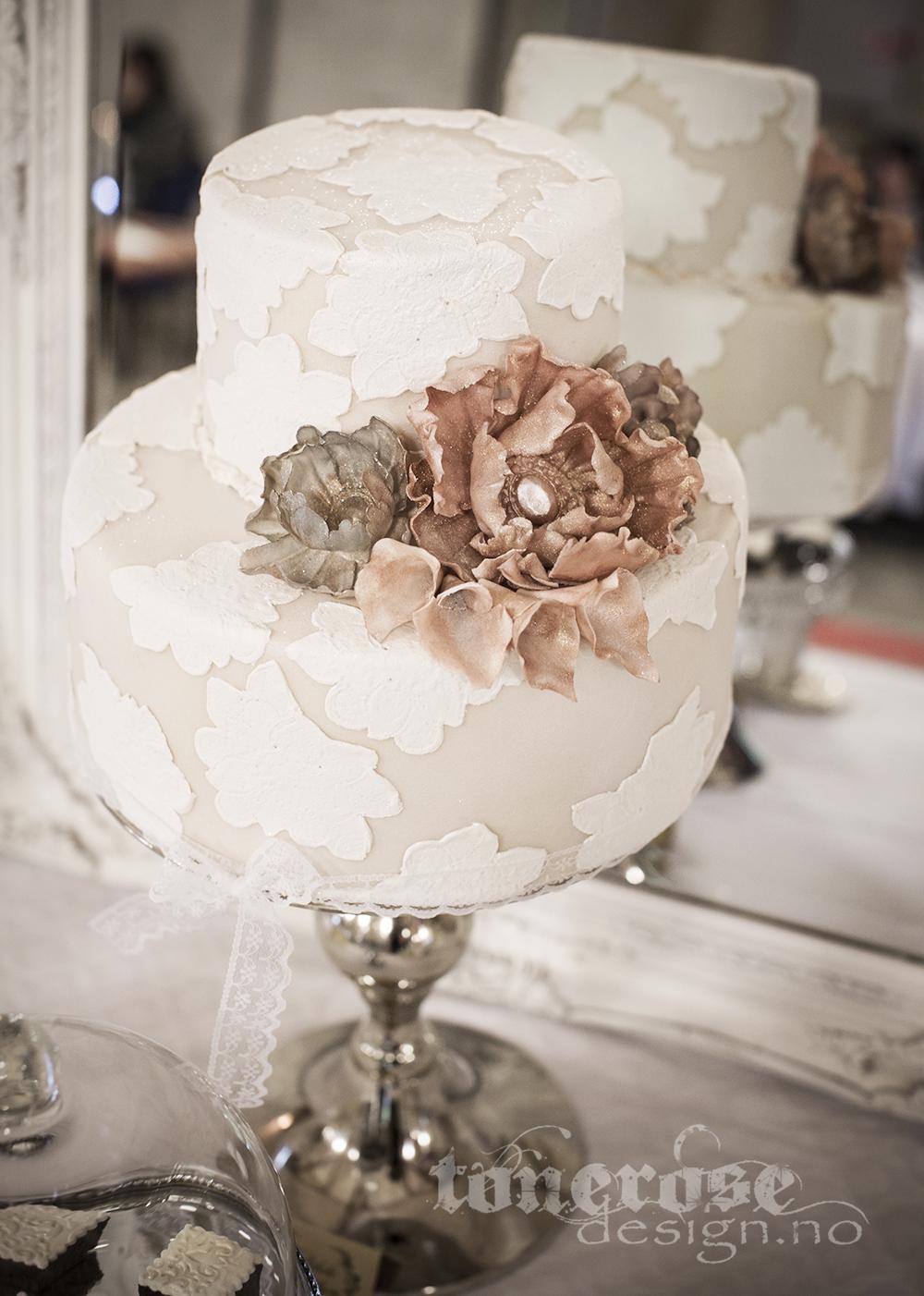 KL5A4018_bryllup_kake_dessertbord_bryllupskake_romantisk