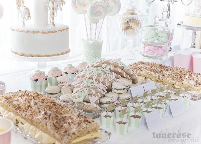 Kakebord i rosa og mint - barnedåp