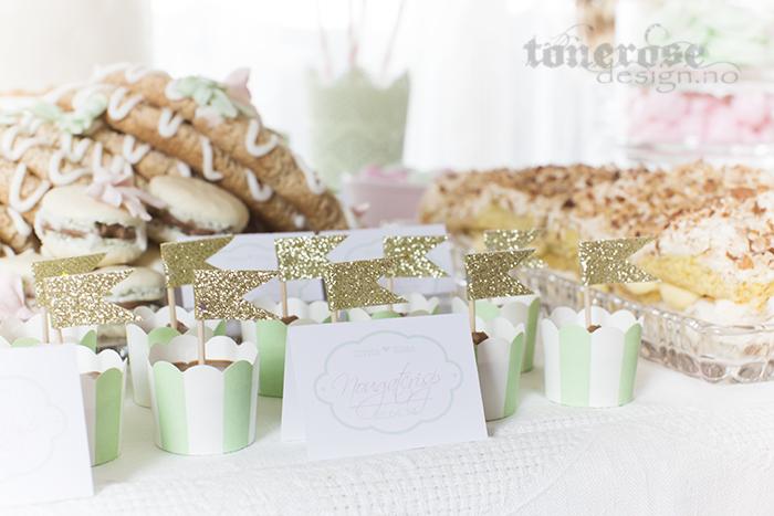 Nougatcrisp i søte mintgrønne mini-cupcakeformer