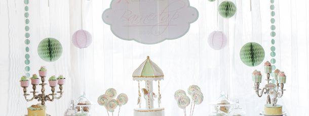 { Dessertbord barnedåp – tvillingenes dåp i mint, rosa og med karusell-tema }