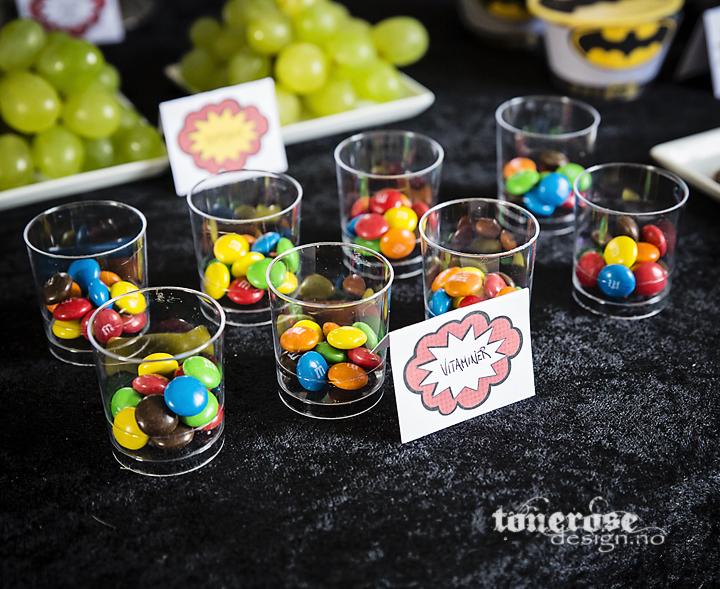 "{ ""vitaminer"" på dessertbordet… hihi! }"