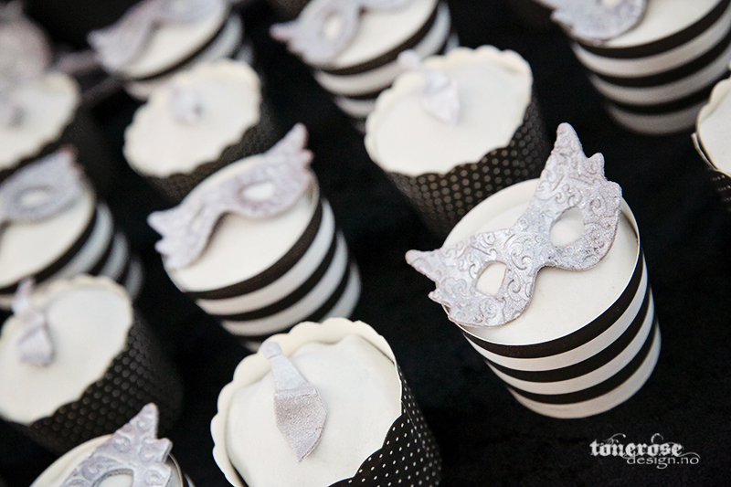 KL5A4841_fifty_shades_of_grey_cupcakes