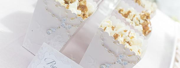 { Lag vakre trykksaker til bryllup, konfirmasjon eller dåp! }