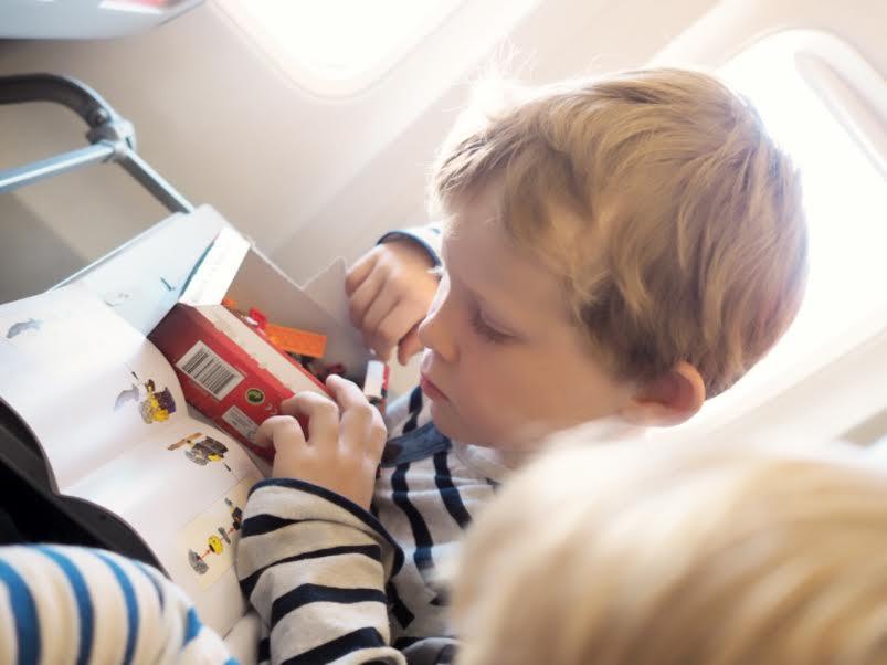 10_familieferie_fly_med_barn_reise