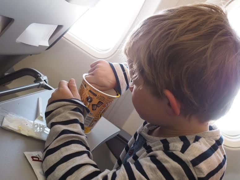 18_familieferie_fly_med_barn_reise