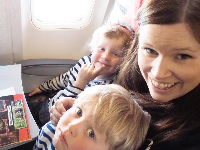 6_familieferie_fly_med_barn_reise
