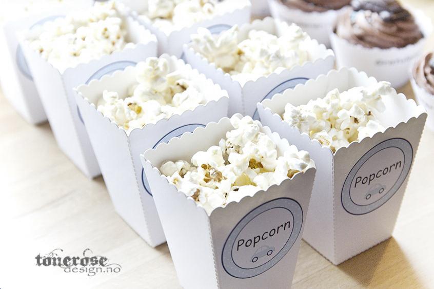 Popcornbokser barnedåp - kjempesøte gratis lyseblå boblebil etiketter