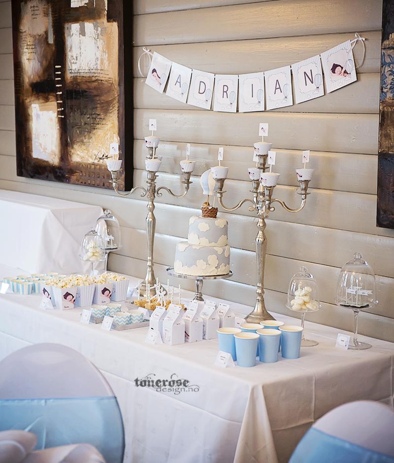 Dessertbord til barnedåp - i lyseblått, tema luftballong