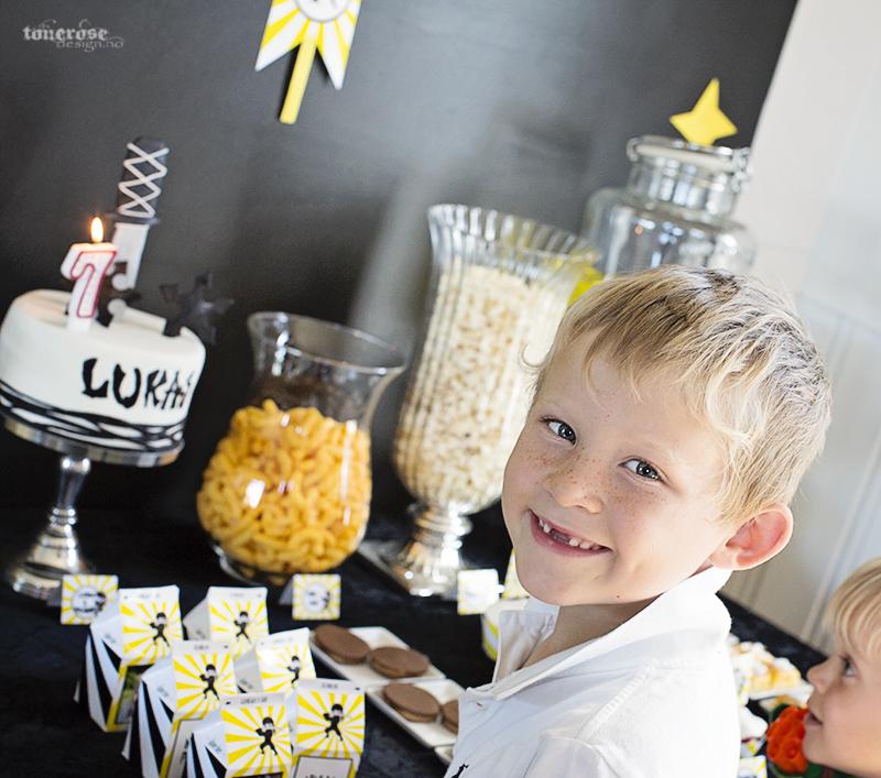 Ninja bursdag bursdagsgutt 7 år kake lys KL5A3739