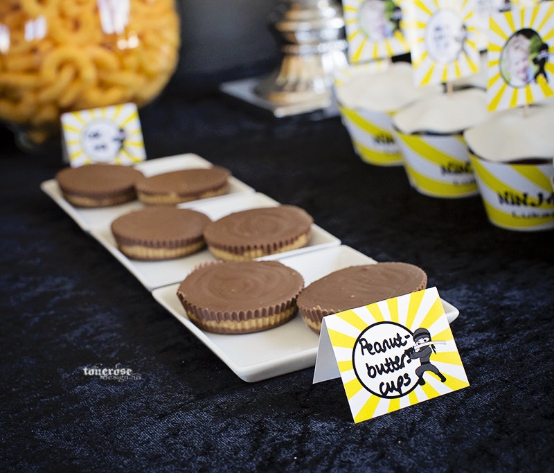 Ninja bursdag hjemmelagede peanutbuttercups dessertbord KL5A3680