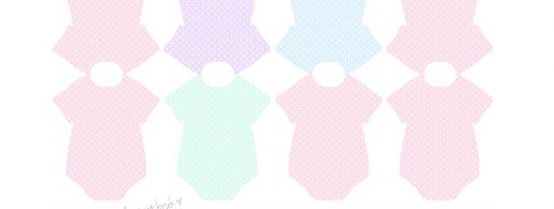 { Søte babybody – bordkort, perfekt til barnedåp! GRATIS – rosa, lilla, blå & grønn }