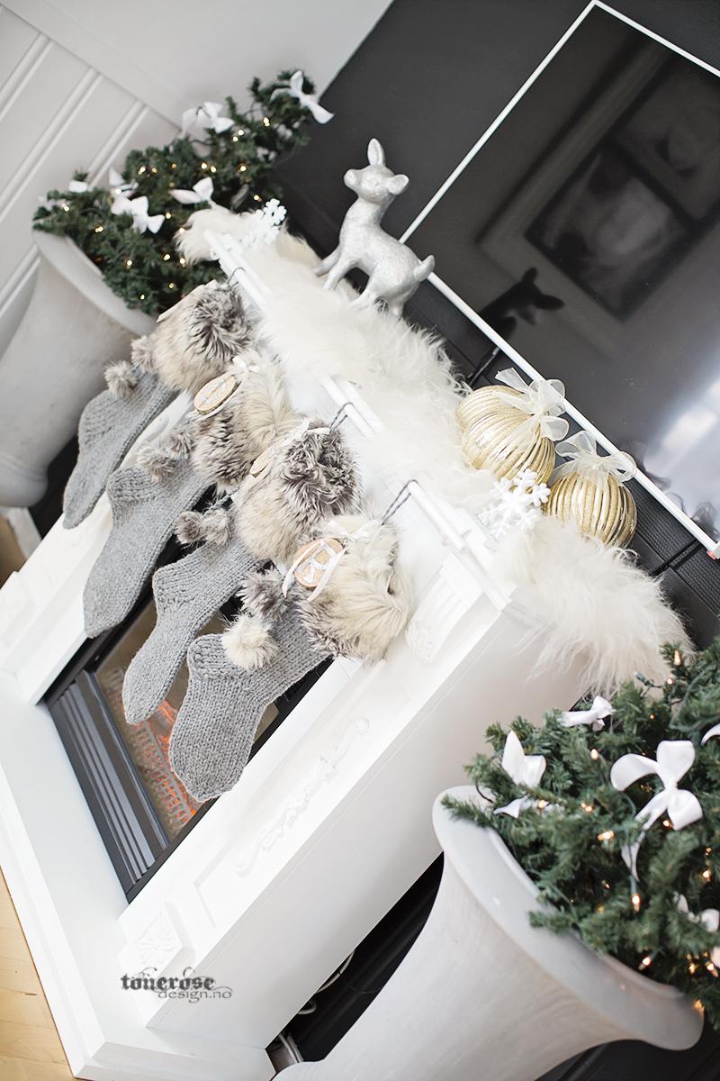 Julepynt julestrømper peis grå hvitt brunt glitter KL5A5980